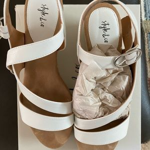 Style & Co summer sandals 10M